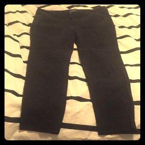 Black Old Navy Pixie Capri/Ankle Pants